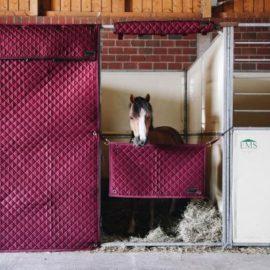 Kentucky Horsewear Stable Curtain Bordeaux